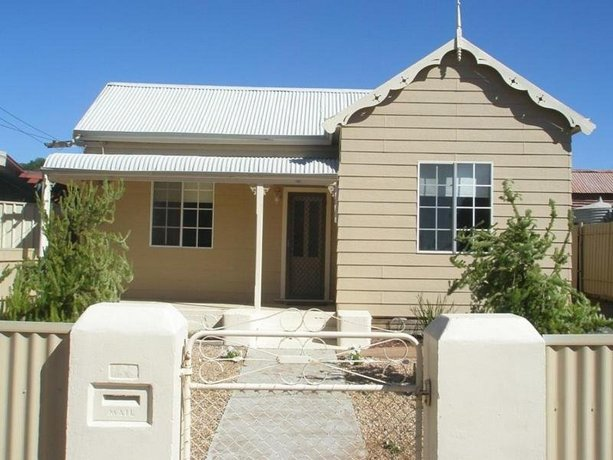 Cosy Cottage Broken Hill Images