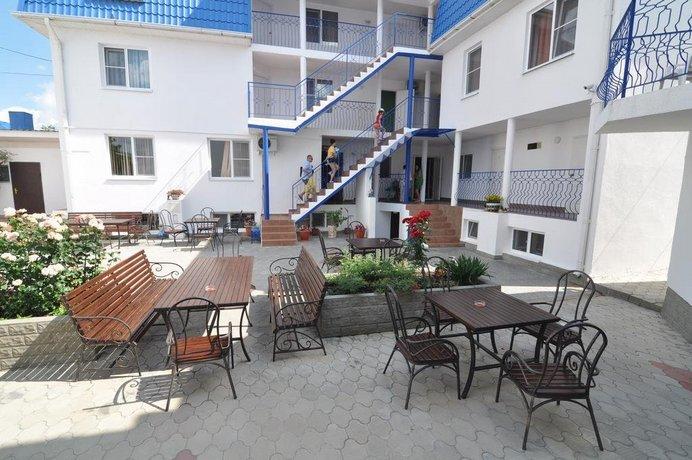 Отель Априори
