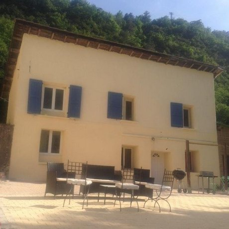 Les 2 Alpes Spa Entrevaux Compare Deals
