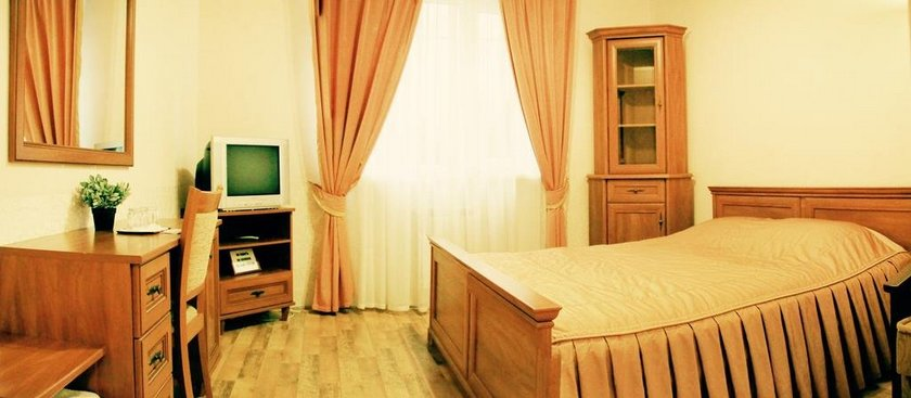 Gusarskiy Hotel and Apartment