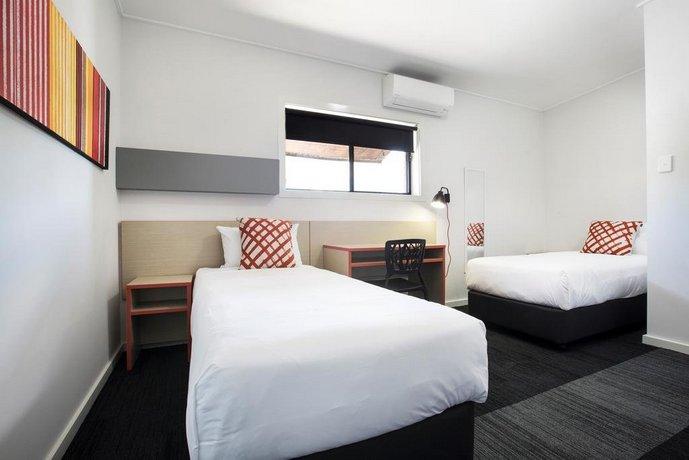 Photo: Villawood Hotel