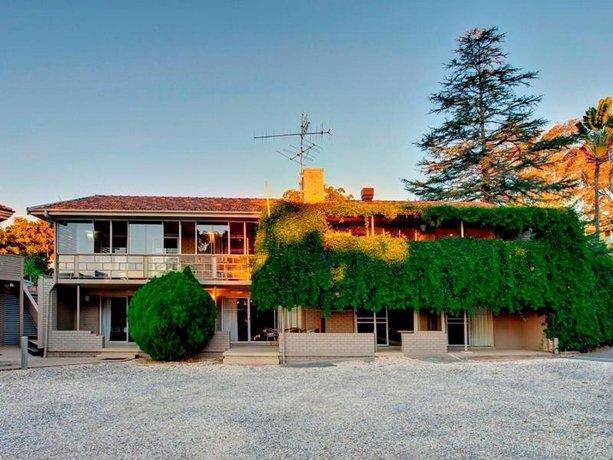 Photo: Dutchies Motel Nelson Bay