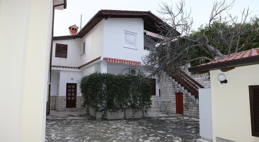 Apartments Bukovsek