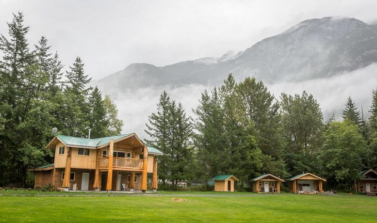 Bella Coola Grizzly Tours Cabins Images
