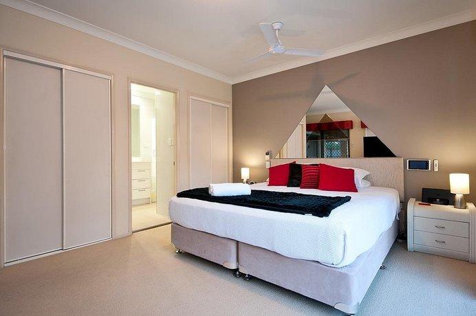 Photo: Luxury Waterfront Home