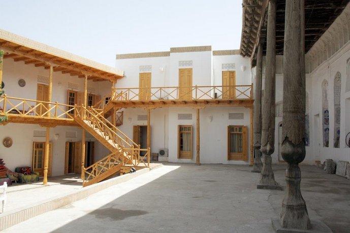 Hovli Poyon Hotel