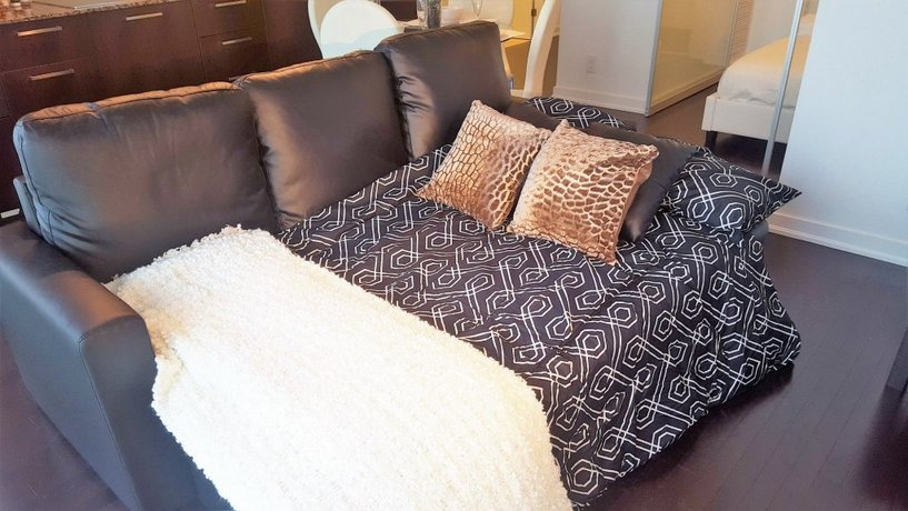 Lavish Suites - Luxury One Bedroom Condo Images