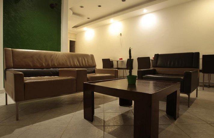 Hangar Rio Hostel Images