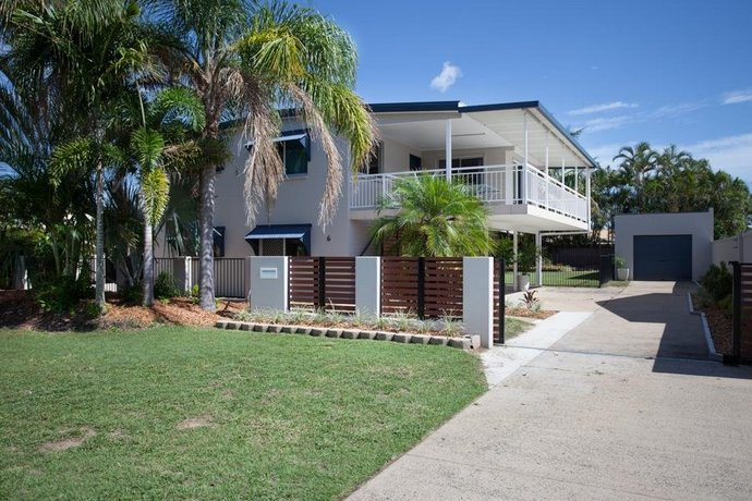 City Beach Holiday House Images