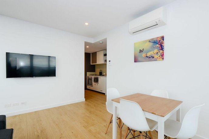 Serviced Apartments Melbourne- Opus, Melbourne - Compare Deals