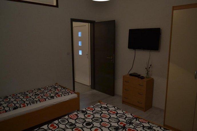 Apartments Peloza