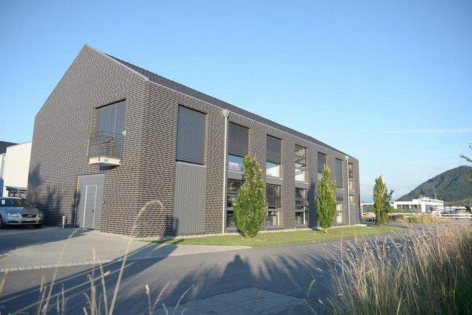 Q C M Campus Images