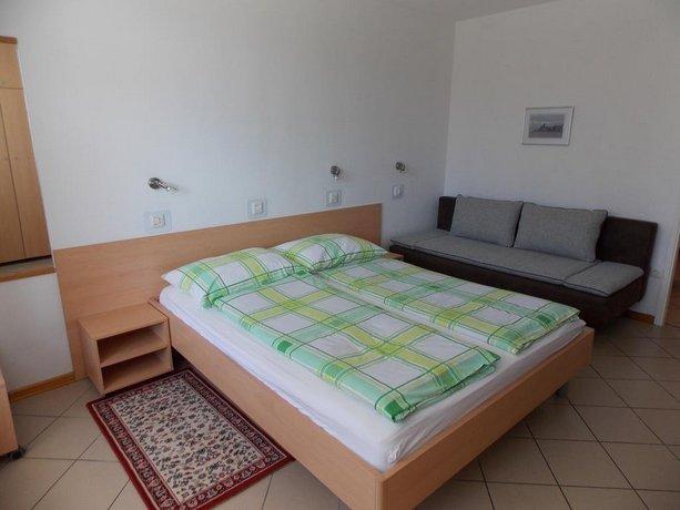 Apartments Karmen