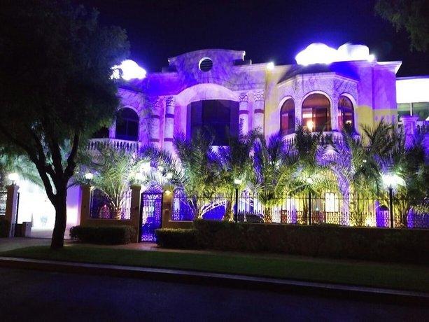 Emirates Hills Lake View Villa 이미지