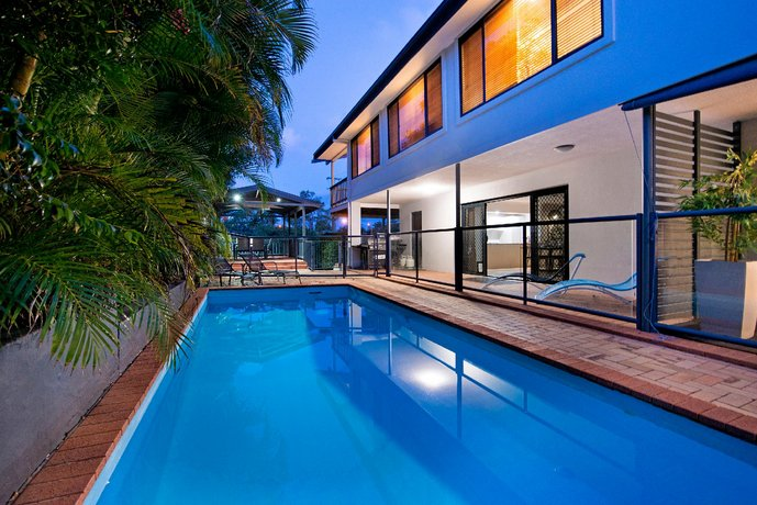 Photo: 7 Bedroom Gold Coast Luxury Waterfront Home With Pool Sleeps 20