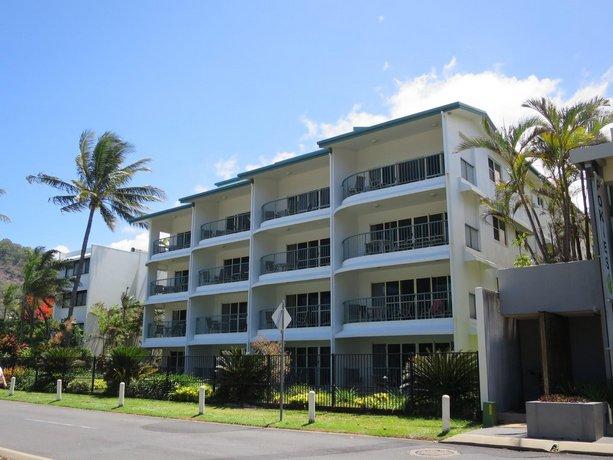 Photo: Beachfront Apartments on Trinity Beach