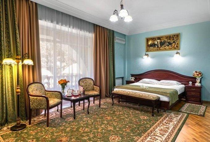 Отель Чеботаревъ