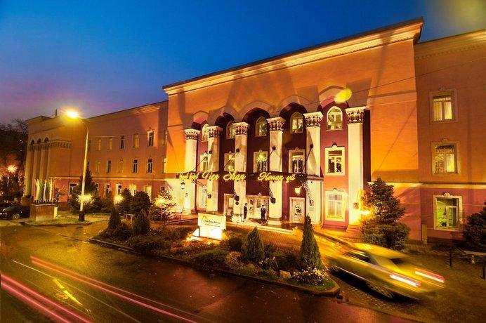 Grand Tien Shan Hotel
