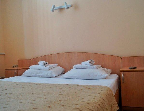 Отель Lowcost Berison Hudyakova