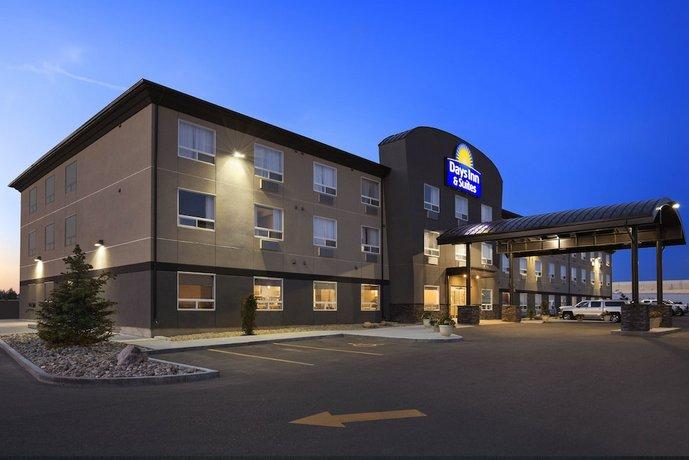 Days Inn & Suites by Wyndham Yorkton Images