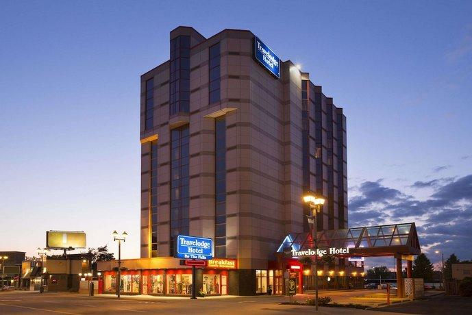 Travelodge Hotel by Wyndham Niagara Falls By the Falls