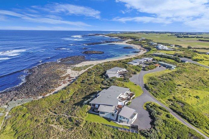 Photo: Hearn's Beachside Villas