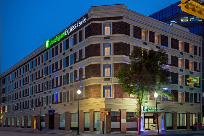 Holiday Inn Express & Suites Regina Downtown Images