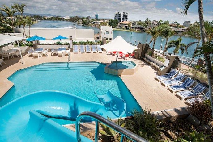 Photo: Tiki Hotel Surfers Paradise