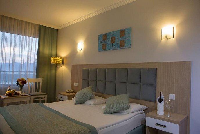Adonis Hotel