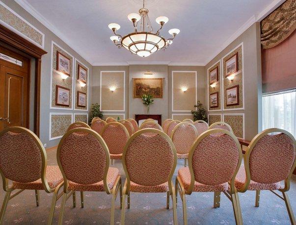 Отель Park Inn Полярные Зори