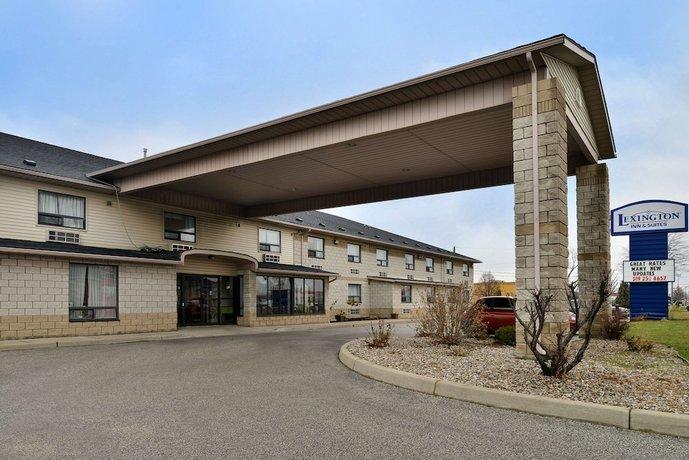 Lexington Inn & Suites-Windsor Images
