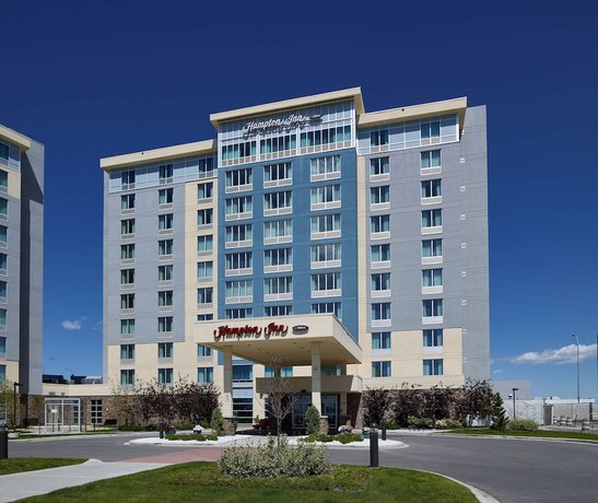 Hampton Inn by Hilton Calgary Airport North Images