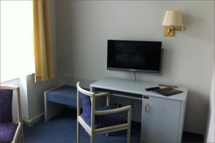 Hotel Am Steintor Halle Compare Deals