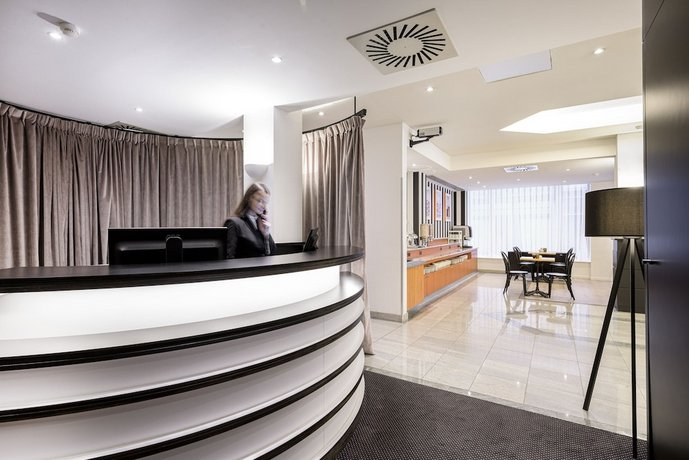 Aris Grand Place Hotel