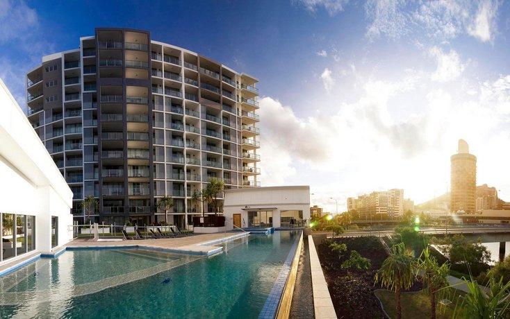 Photo: Oaks Gateway Suites