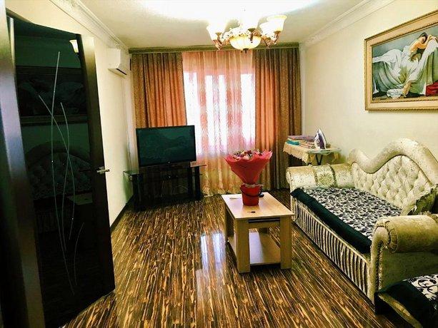 Apartment on Millionshchikova 63