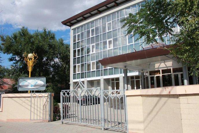 Отель Белый Лотос