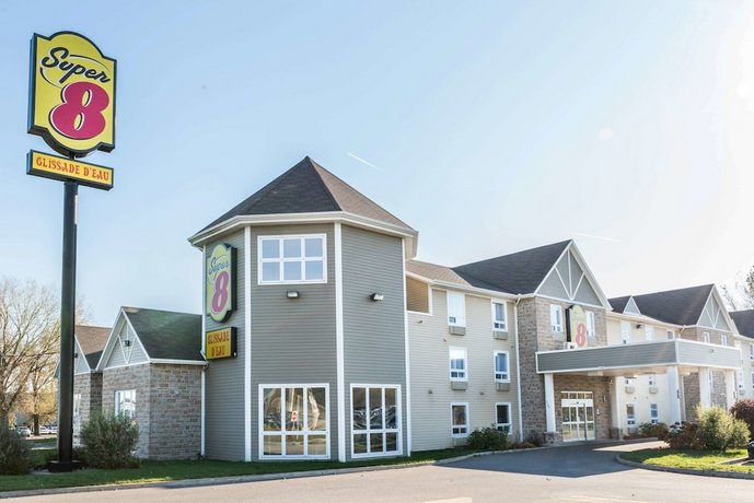 Super 8 by Wyndham Trois Rivieres Hotel Images