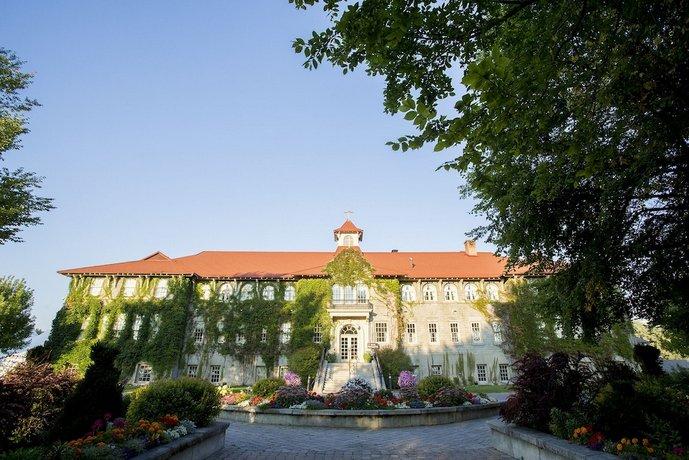 St Eugene Golf Resort Casino Images
