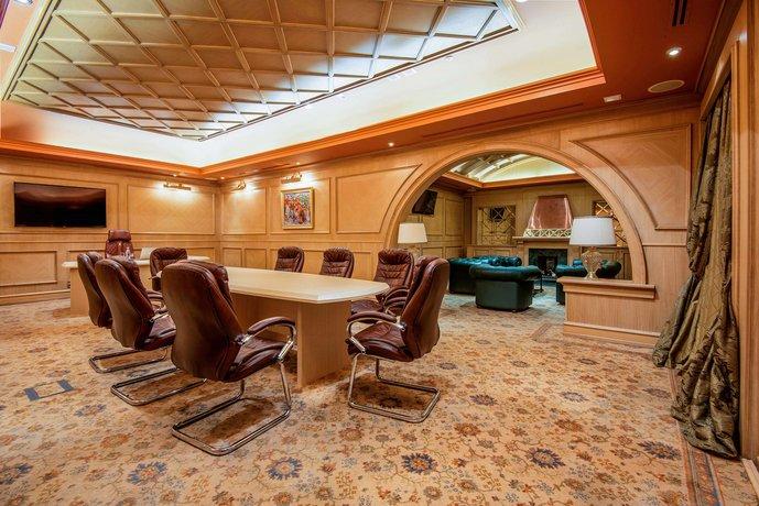 Отель Khreschatyk City Center