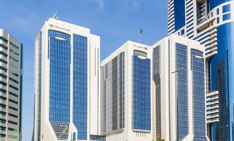 Crowne Plaza Dubai Apartments Images