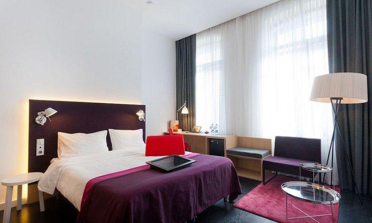 Отель AZIMUT Moscow Tulskaya Hotel