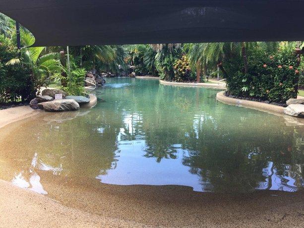 Photo: Cairns Golf Course Apartment