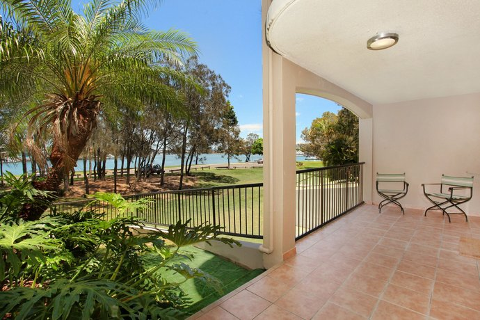Photo: Beachport 14 - Newly Renovated 2 Bedroom Apt on Parkyn Parade with Aircon