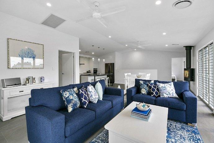 Photo: Ocean Views Luxury Living in Noosa Heads - Unit 2/13 Angler Street