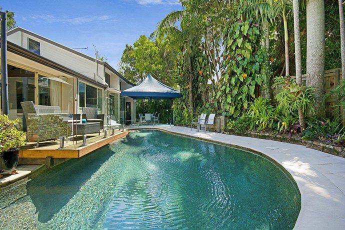 Photo: Tropical 5 bedroom family getaway in Noosa Heads
