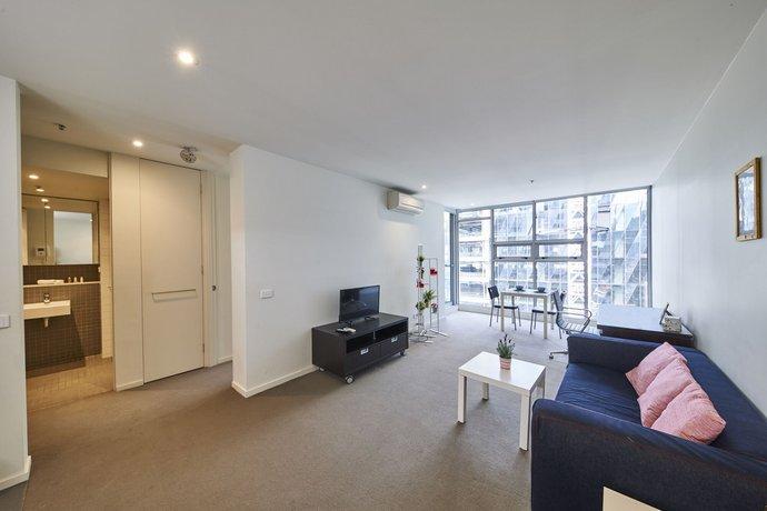 Photo: Convenient & Modern 1 Bed Apartment Docklands
