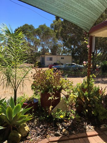 Kingscote Tourist Park and Family Units Images