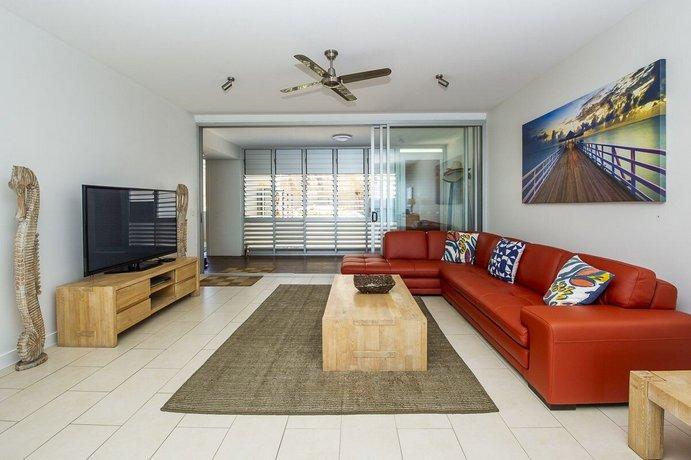Photo: 1 Bright Point Apartment 5301