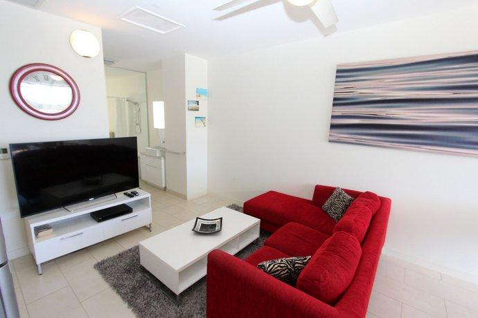 Photo: 1 Bright Point Apartment 1402